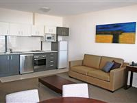 1 Bedroom Apartment Lounge - Mantra Wollongong